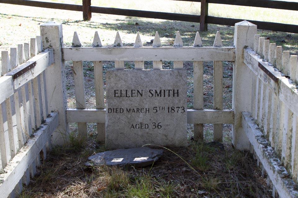 Ellen Smith's Grave and her 2 newborn girls